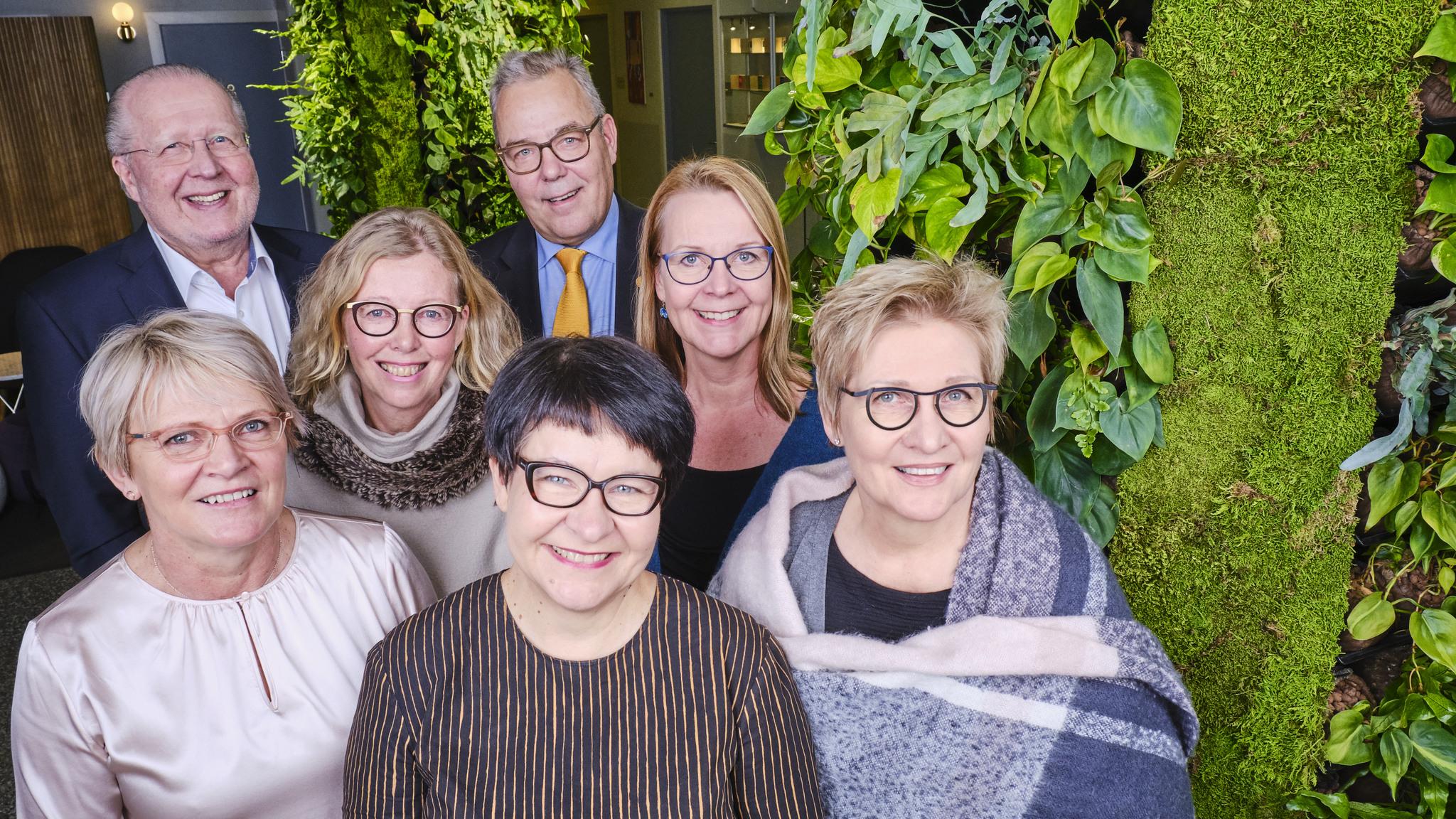 Invalidisäätiön hallituksen jäsenet ylhäältä vasemmaltaVesa Ekroos, Timo Sairanen, Satu Mehtälä, Kaisa Vuorio, Riitta Vänskä, Tarja Filatov ja Eija Honkanen.