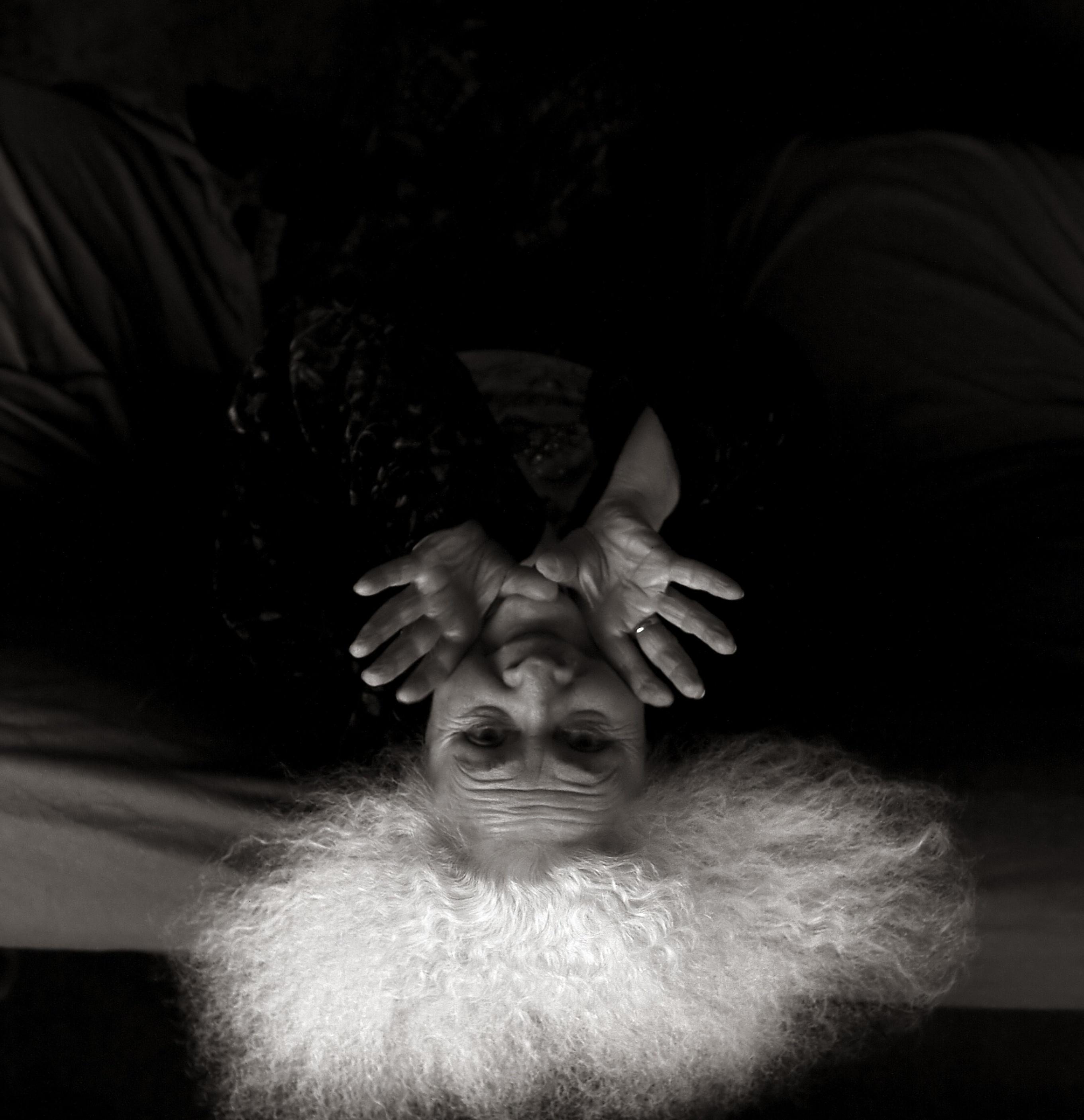Yksityiskohta valokuvataiteilija Pertti Nisosen teoksesta.