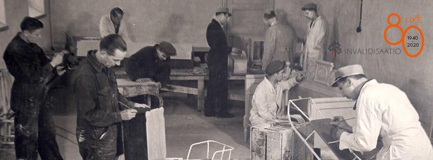 Maalaajat työssään 1940-luvulla.